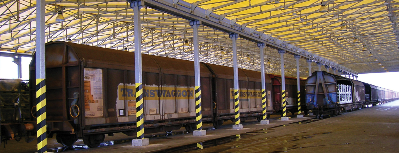 EUROPEAN-LEADER-IN-LOGISTIC-SOLUTIONS-WAREHOUSES-LOADING-BAYS-DOORS