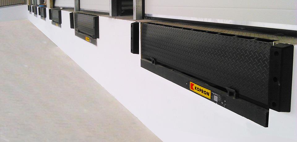 logisticos-sistemas-carga-descarga-mercadorias-Cotia