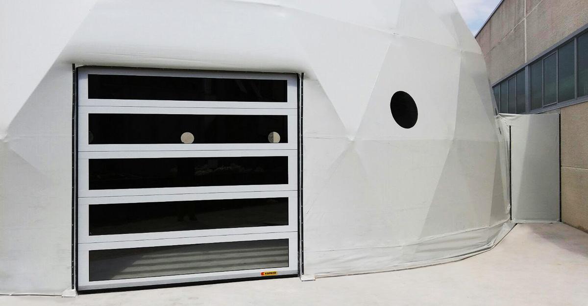 coperture-in-PVC-Kopron-per-showroom-Volkswagen-Livorno