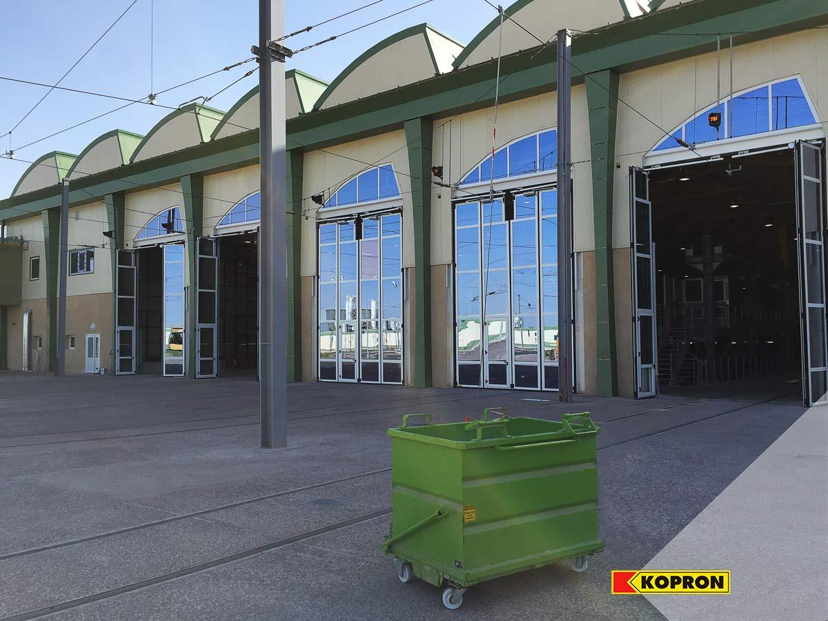 Portoni-a-libro-vetrati-Kopron-vista-esterna-stazione-di-Sidi-bel-Abbes