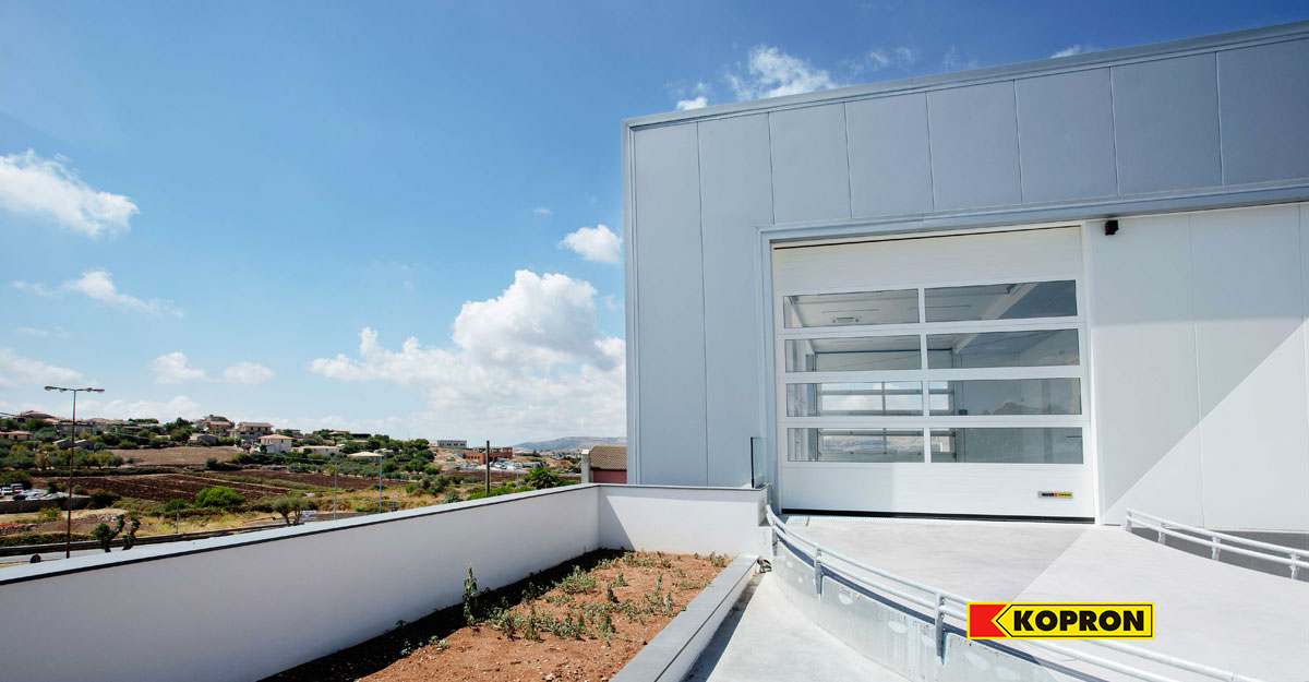 Portoni-sezionali-di-design-in-Sicilia