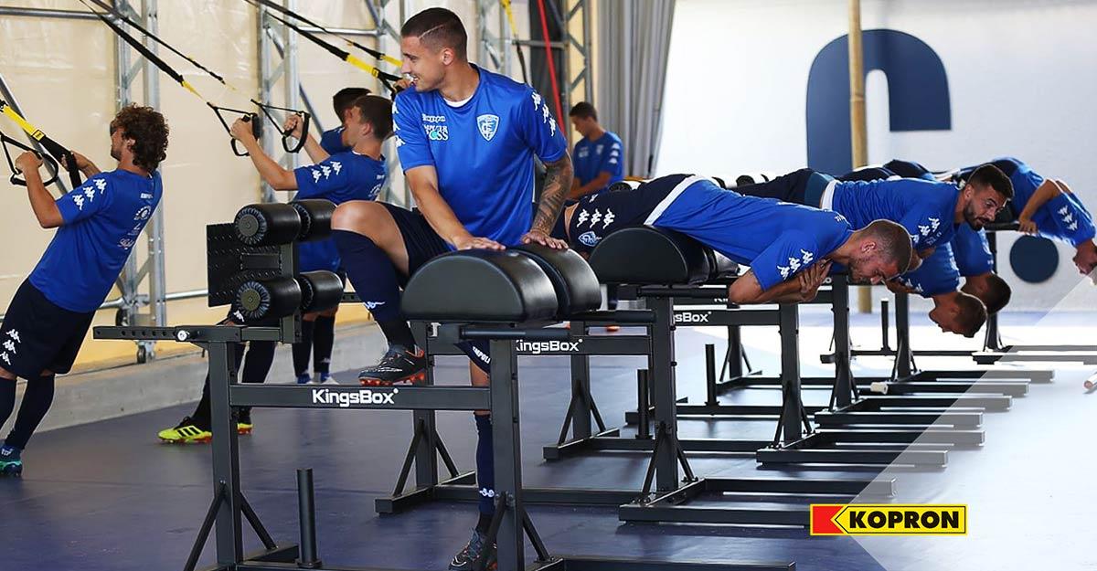 Preparazione-calciatori-Empoli-nel-Capannone-in-PVC-Kopron