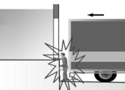 Operatore schiacciato tra camion e banchina di carico