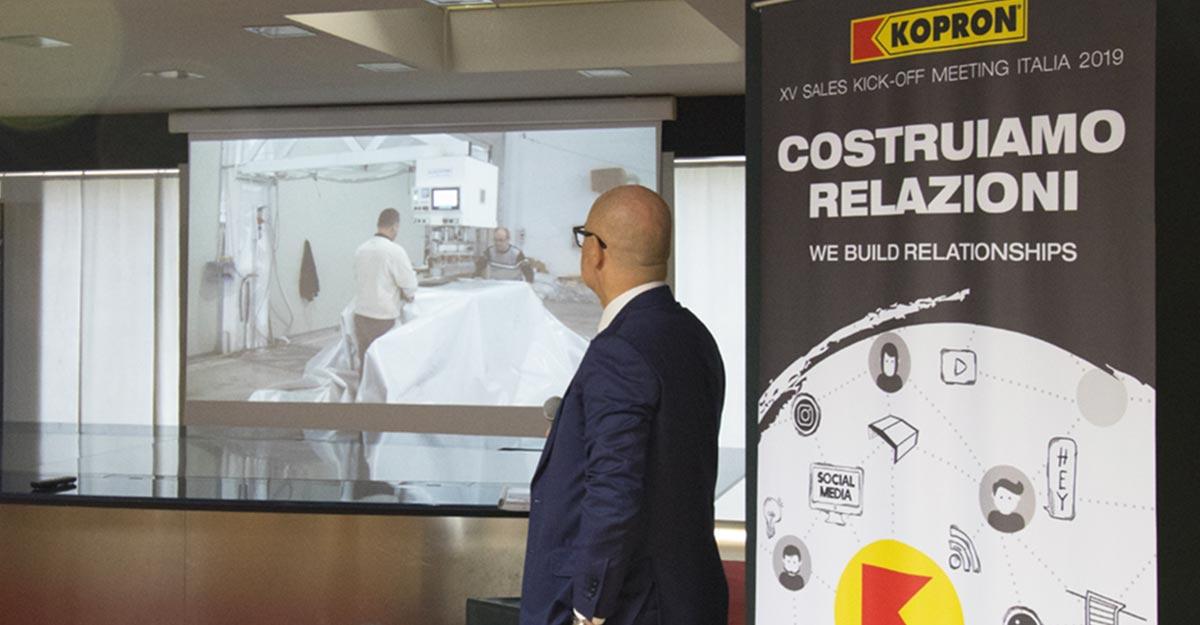 Meeting-commerciale-Kopron-slogan-costruiamo-relazioni