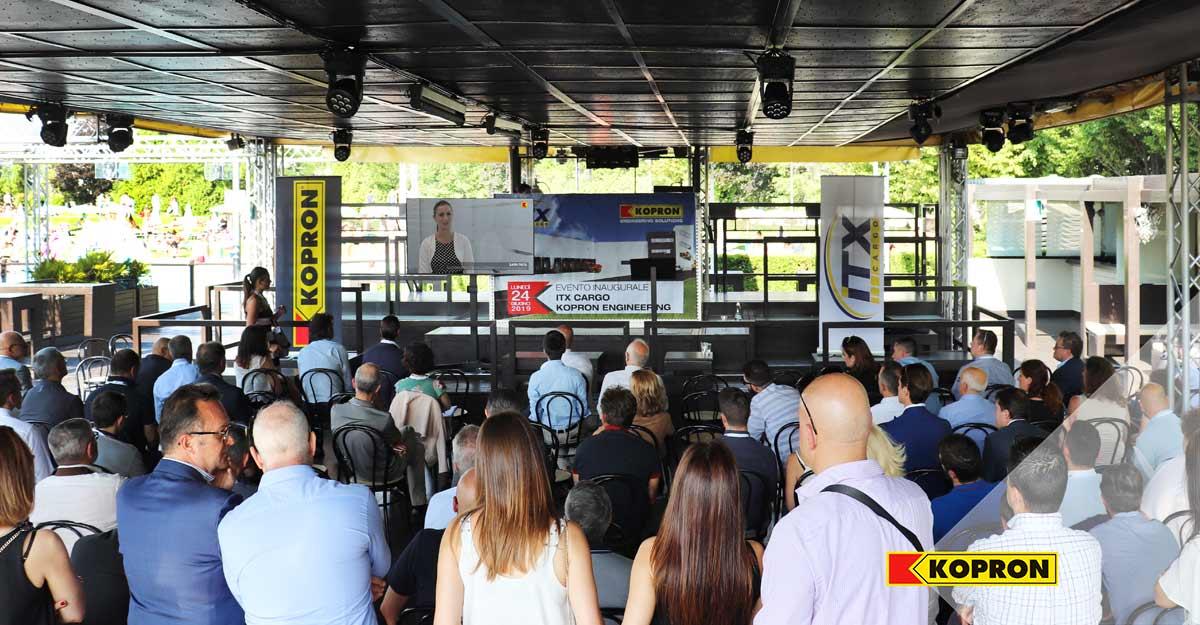 Platea-evento-inaugurale-Kopron-Engineering-/-Itx-Cargo
