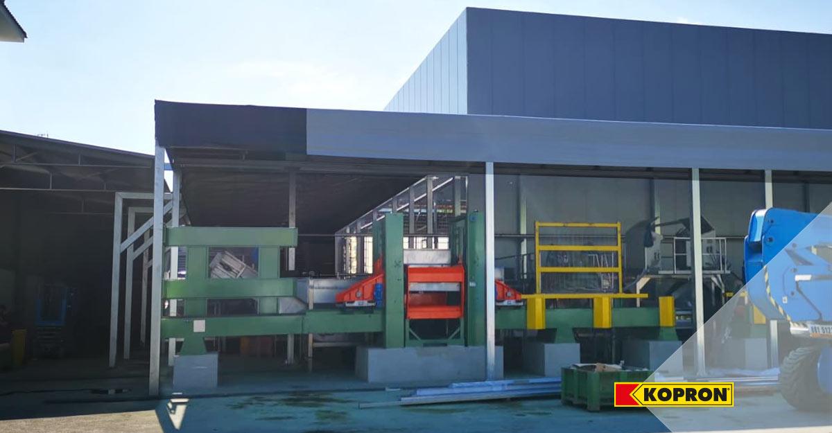 Tettoie-in-acciaio-Kopron-ideali-per-ampliare-lo-spazio-coperto