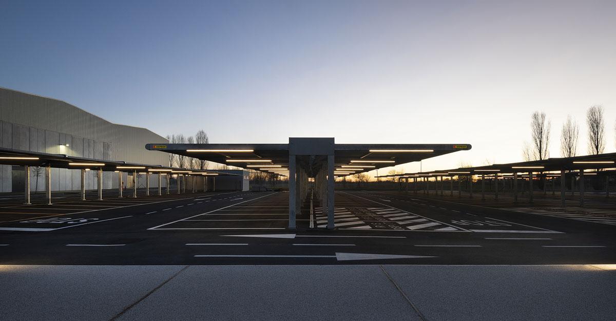 Pensiline-per-auto-Kopron-tra-i-parcheggi-ombreggianti-più-grandi-d-Europa