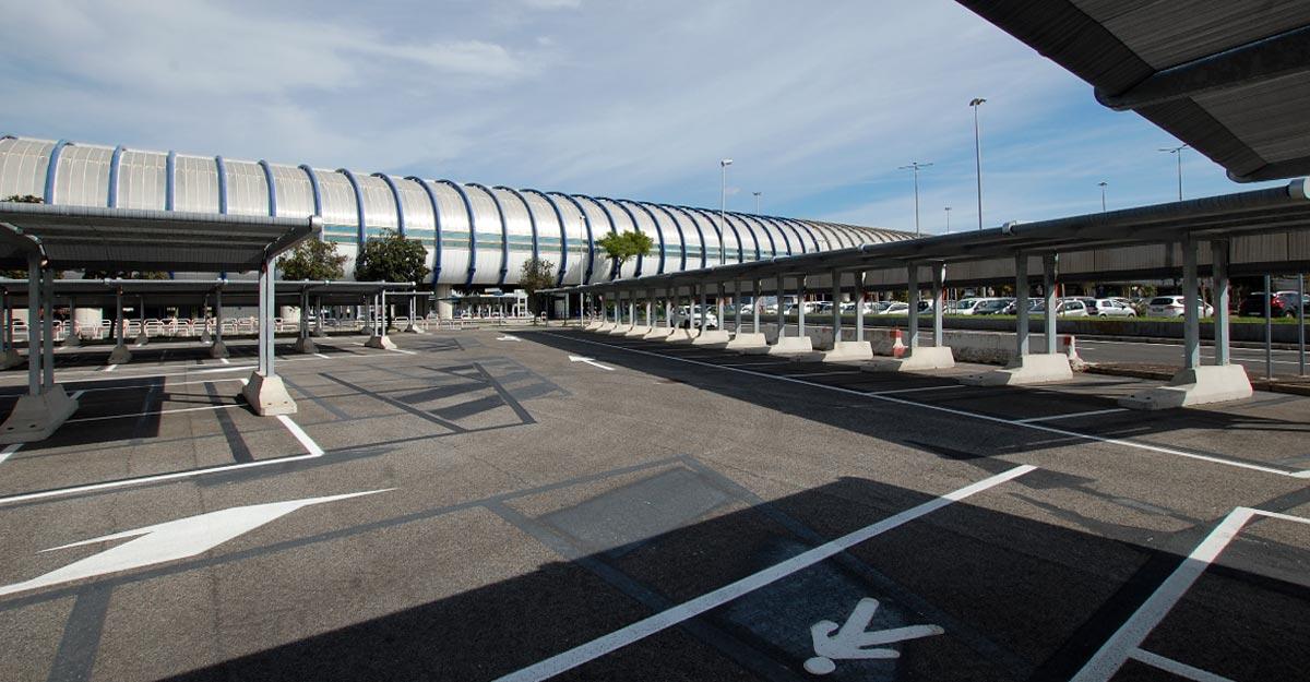 tettoie-per-auto-kopron-al-parcheggio-dell-aeroporto-leonardo-da-vinci-di-fiumicino