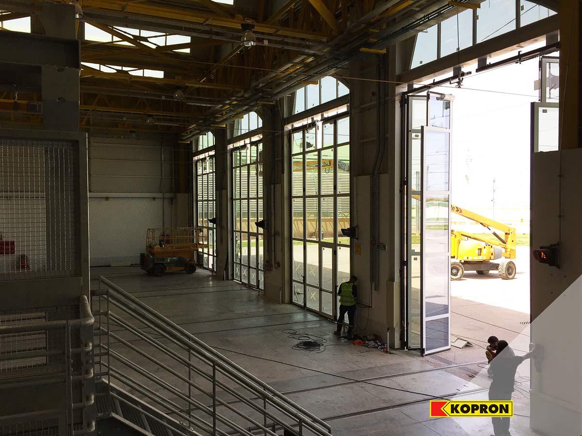 Kopron-glass-folding-doors-internal-view-of-the-railway-in-Sidi-bel-Abbes