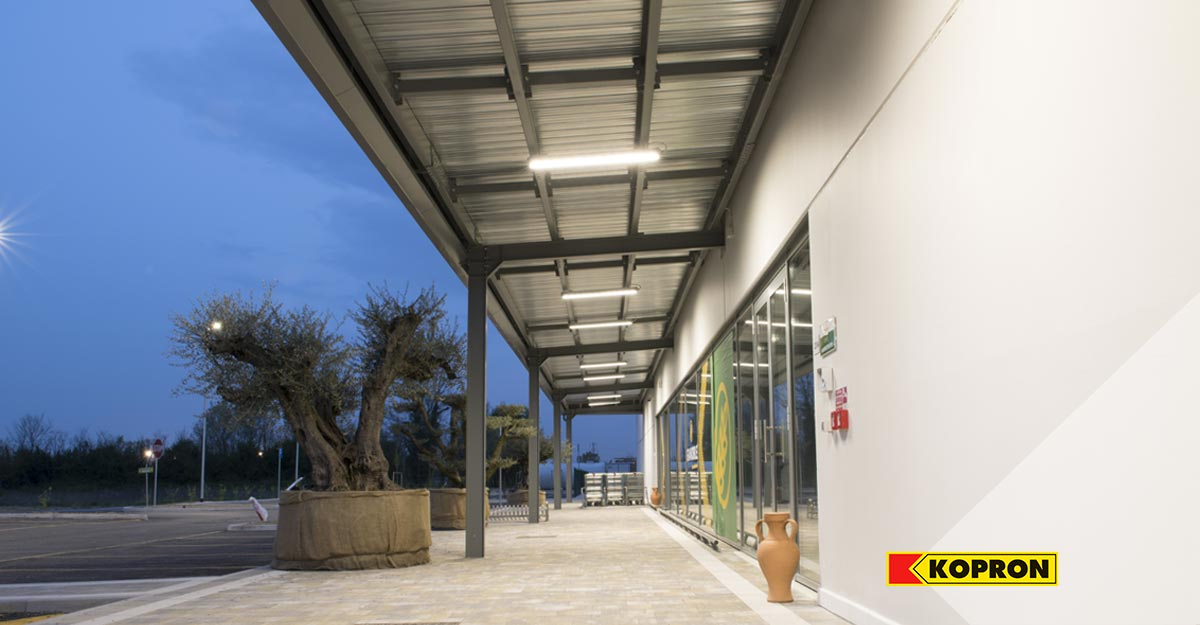 Prefabricated-steel-building-for-the-new-Serena-Manente-store-selling