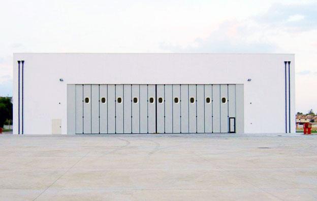 hangar-doors-pics-left-paragraph.jpg