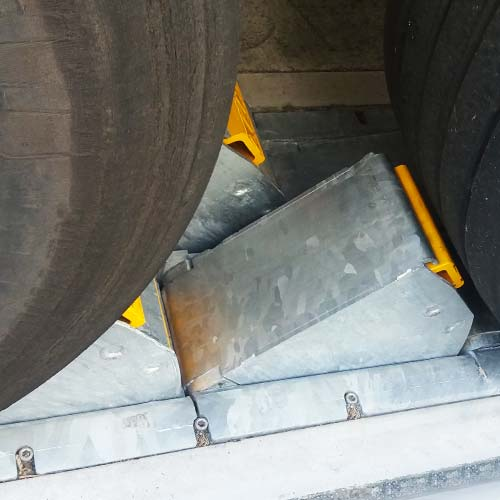 K2-CALEMATIC - Double chock vehicle restraint wheel detection