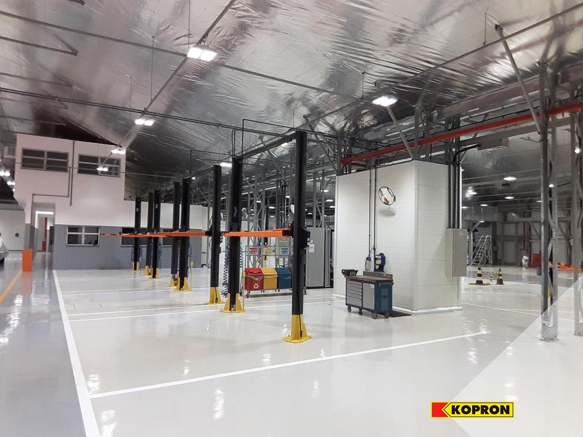 Naves-prefabricadas-en-acero-para-mantenimiento-de-vehículos-Mercedes