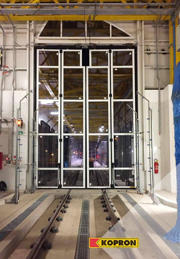 Portes-accordéon-industrielles-pour-le-secteur-ferroviaire-Algérie